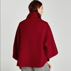 Short cape coat